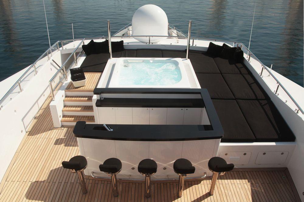 installation spa extérieur Urban bateau