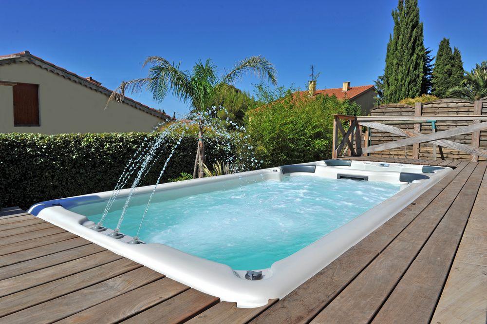 spa de nage extérieur encastré terrasse peips
